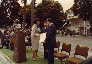 Mayor Feinstein presents Senators Inouye and Matsunaga with proclamation
